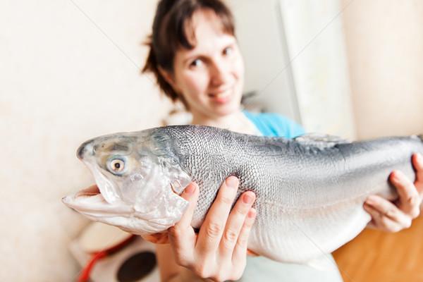 Beauté femme souriante brut saumon truite Photo stock © ia_64