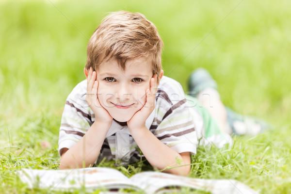 美 笑みを浮かべて 子 少年 読む 図書 ストックフォト © ia_64
