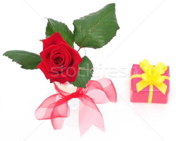 ストックフォト: バラ · 花瓶 · ギフト · 赤いバラ · 愛 · 緑