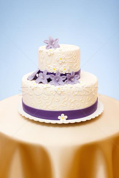 Esküvői torta fehér ibolya marcipán virágok dekoráció Stock fotó © icefront