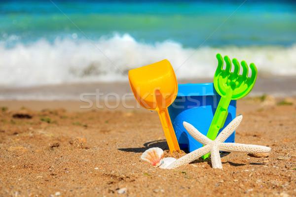 Yaz hatıralar oyuncak kürek tırmık kova Stok fotoğraf © icefront