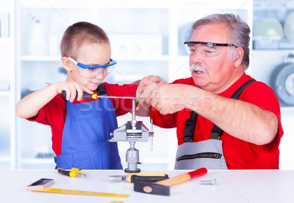 Nagyapa tanít unoka fém oktatás fiatalság Stock fotó © icefront