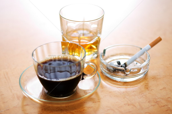 Dangereux trois café cigarette fumer alcool Photo stock © icefront