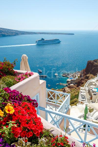Kwiaty budynków statek wycieczkowy santorini kolorowy morza Zdjęcia stock © icefront