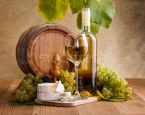 White wine with cheese and blue grape snack Stock photo © icefront
