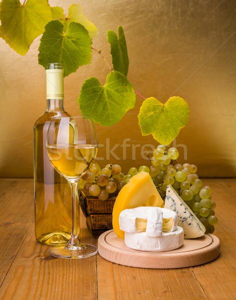 Witte wijn druif kaas snack witte wijn fles glas Stockfoto © icefront