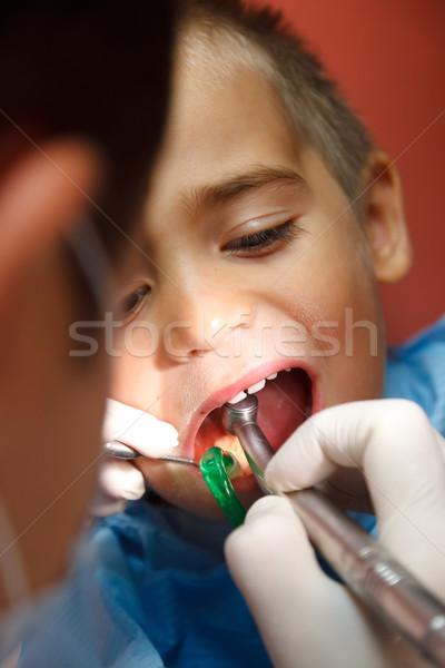 Foto stock: Pequeno · menino · dentista · sessão · dentes · médico
