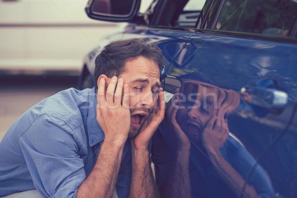 Sconvolto driver auto incidente uomo strada Foto d'archivio © ichiosea