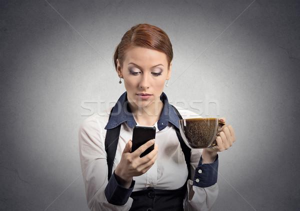 女性 読む 悪い知らせ スマートフォン 飲料 コーヒー ストックフォト © ichiosea