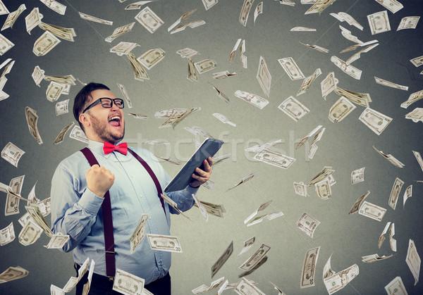 Udany człowiek tabletka ceny szczęśliwy stwarzające Zdjęcia stock © ichiosea