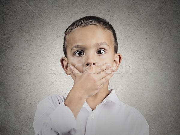 Gyermek rázkódás arc közelkép portré befogja száját Stock fotó © ichiosea