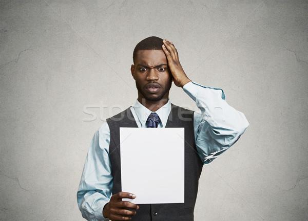 Uomo carta scioccato primo piano Foto d'archivio © ichiosea