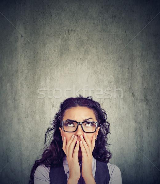 Wanhopig triest vrouw hoop jonge vrouw Stockfoto © ichiosea