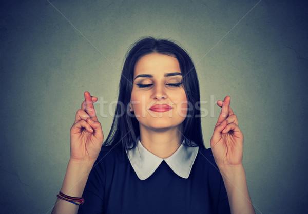 Esperançoso bela mulher dedos retrato Foto stock © ichiosea