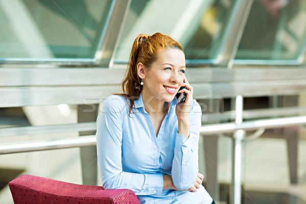 Femeie de afaceri telefon portret femeie de afaceri vorbesc Imagine de stoc © ichiosea