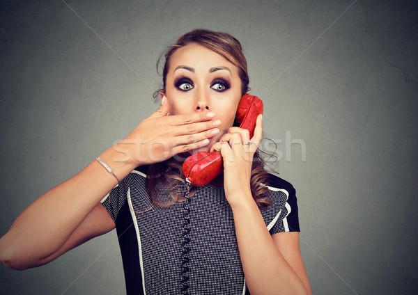 Genç kadın kötü haber telefon kadın iş Stok fotoğraf © ichiosea