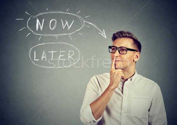 Most férfi szemüveg gondolkodik felfelé néz izolált Stock fotó © ichiosea
