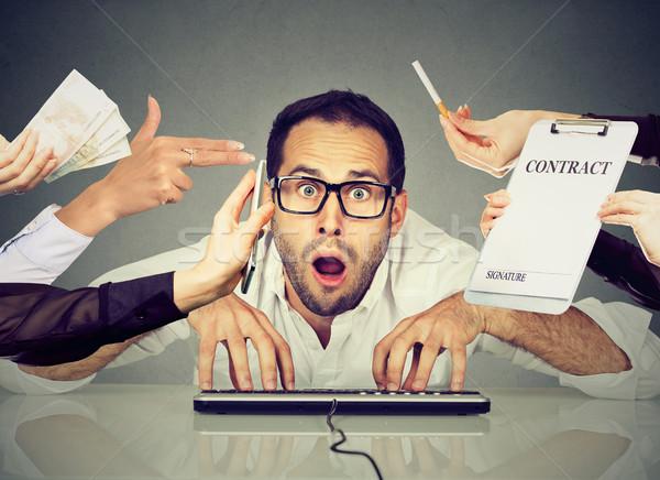 Homme d'affaires bureau travail ordinateur accablé Photo stock © ichiosea
