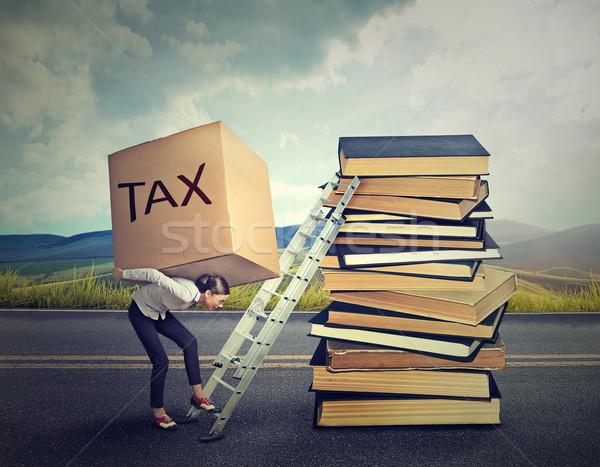 Belasting schuld vrouw zwaar vak vol Stockfoto © ichiosea