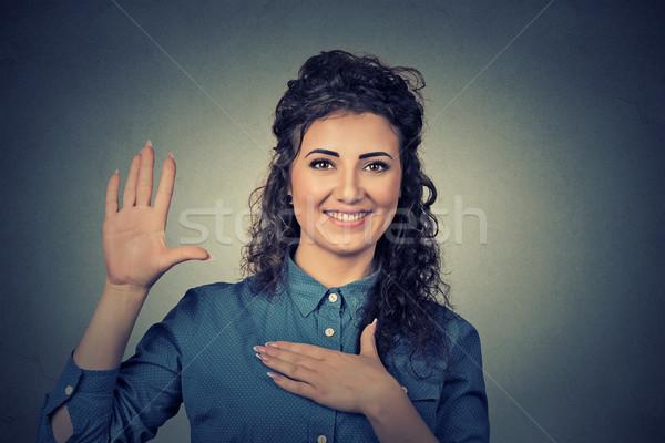 Młoda kobieta obietnica kobieta dziewczyna szczęśliwy Zdjęcia stock © ichiosea
