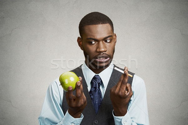 Verward man hunkering sigaret slechte Stockfoto © ichiosea
