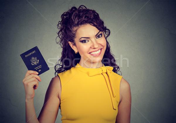 возбужденный женщину США паспорта портрет привлекательный Сток-фото © ichiosea