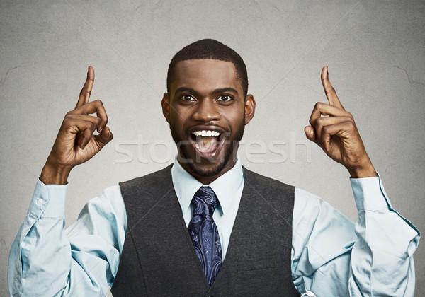 Stockfoto: Opgewonden · zakenman · wijzend · vingers · omhoog