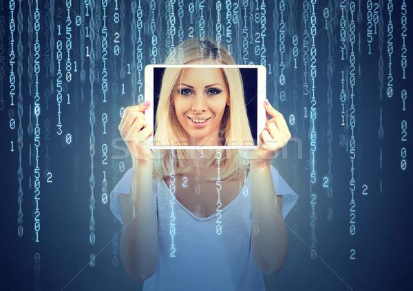 Mutlu genç kadın tablet yüz ekran Stok fotoğraf © ichiosea