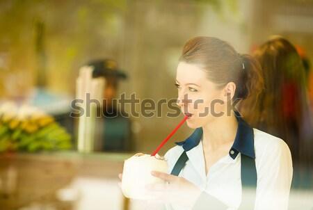 Arts lezing grafiek buiten ziekenhuis portret Stockfoto © ichiosea