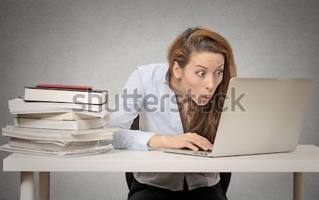 Cansado sonolento mulher jovem sessão secretária livros Foto stock © ichiosea