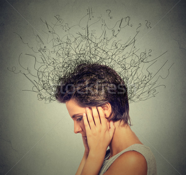 Vrouw bezorgd gezicht concentreren hersenen Stockfoto © ichiosea
