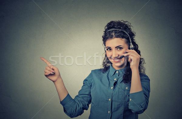 улыбаясь женщины клиентов представитель телефон гарнитура Сток-фото © ichiosea