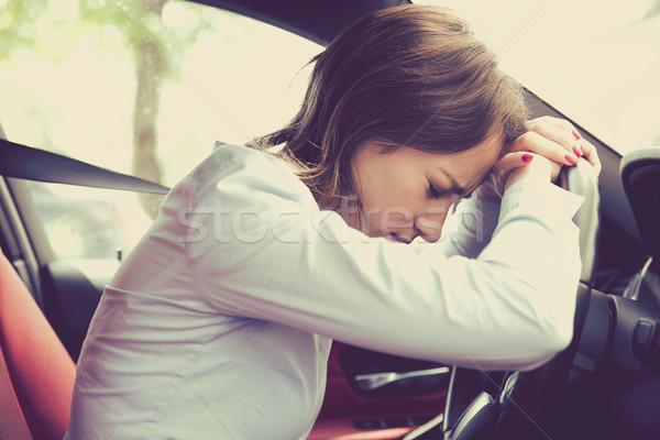 Photo stock: Femme · pilote · séance · à · l'intérieur · voiture