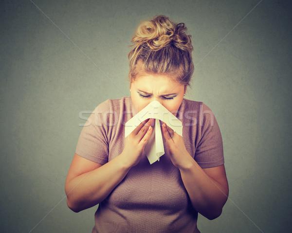 Nő papírzsebkendő fúj orr egészség tél Stock fotó © ichiosea