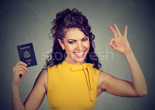 привлекательный счастливым женщину США паспорта вызывать Сток-фото © ichiosea
