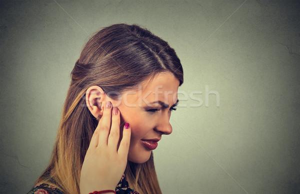 Kant profiel ziek jonge vrouw oor Stockfoto © ichiosea