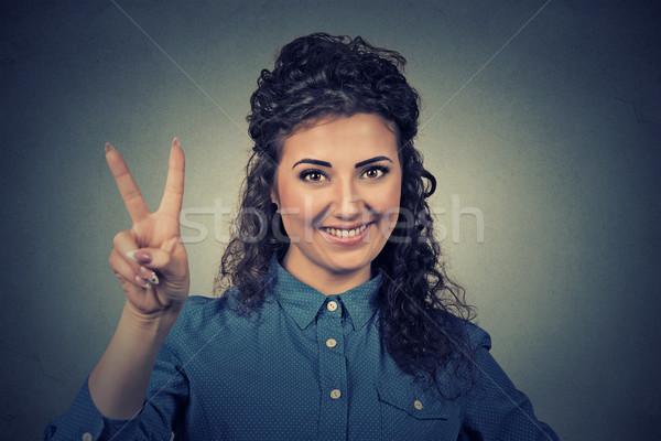Portré boldog tinilány mutat győzelem béke Stock fotó © ichiosea
