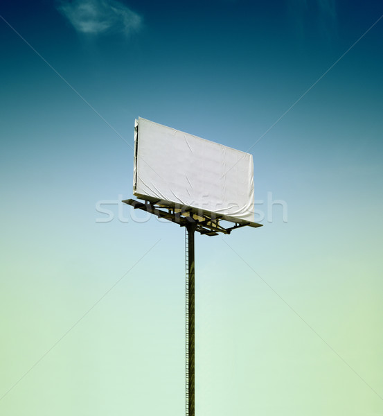 Ilan panosu mavi gökyüzü görüntü Stok fotoğraf © ifeelstock