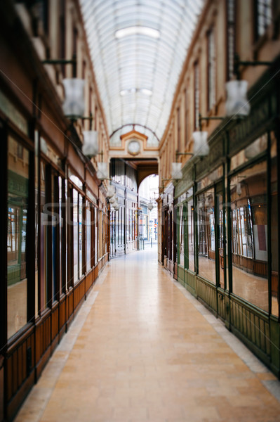 Gyönyörű párizsi vásárlás galéria lencse használt Stock fotó © ifeelstock