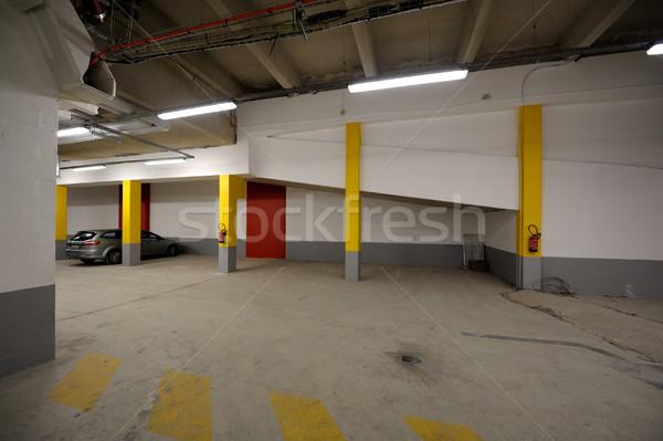 Ondergrondse auto parkeren garage interieur een Stockfoto © ifeelstock