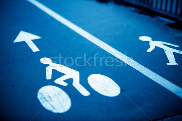 Felirat motorosok gyalogosok kék fehér festett Stock fotó © ifeelstock