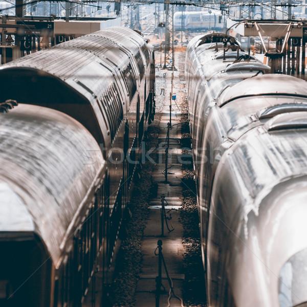 Twee treinen ander algemeen verdwijnpunt retro Stockfoto © ifeelstock
