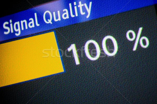 Jel minőség 100 erő LCD kirakat Stock fotó © ifeelstock