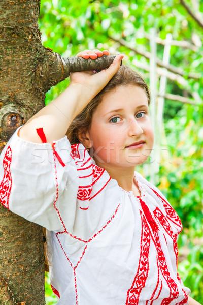 10 éves lány portré visel román hagyományos Stock fotó © igabriela
