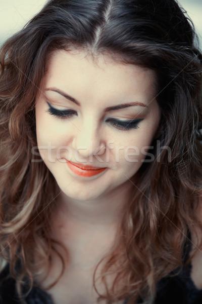 Félénk fiatal nő portré gyönyörű 20 év Stock fotó © igabriela