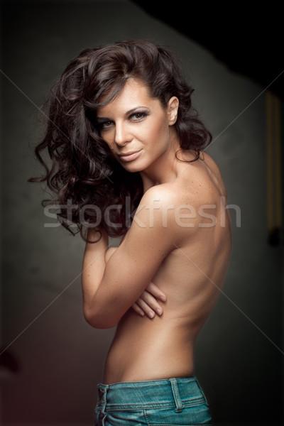 Siyah uzun kıvırcık saçlı moda kız portre Stok fotoğraf © igor_shmel