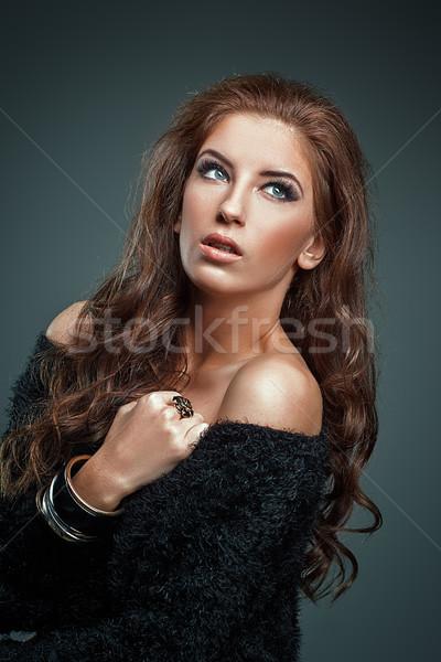 Güzellik portre kadın uzun kıvırcık saçlı Stok fotoğraf © igor_shmel