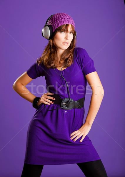 Güzel bir kadın dinleme müzik güzel moda genç kadın Stok fotoğraf © iko