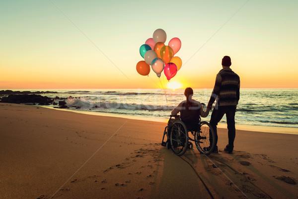 Сток-фото: счастье · счастливым · пару · пляж · женщину · коляске
