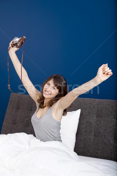 ストックフォト: 時間 · 若い女の子 · ベッド · 少女 · モデル